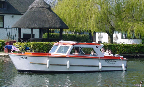 day-boat-hire-beccles-suffolk